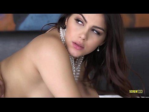 """SCREWBOX - Valentina Nappi in """"Rich Bitch"""""""