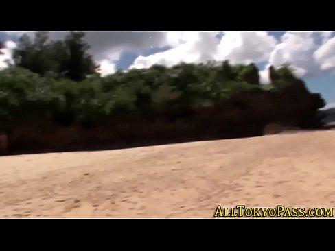 【周防ゆきこ】スタイル抜群ビキニ美女の開放的な南国ビーチフェラ!