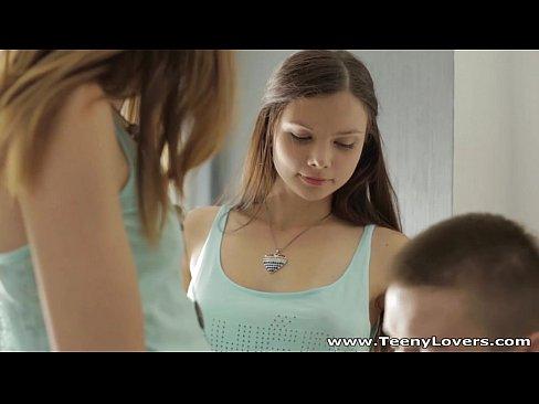 http://img-l3.xvideos.com/videos/thumbslll/90/82/f5/9082f5ed8977e838041d5ac306b64a60/9082f5ed8977e838041d5ac306b64a60.2.jpg