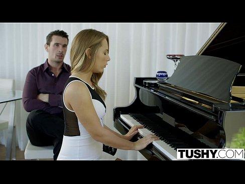 ピアノ講師のおちんぽレッスン