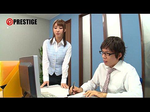 【あやみ旬果動画】激カワ人気女優のコスプレ膣内発射セックスでオナニーが捗る