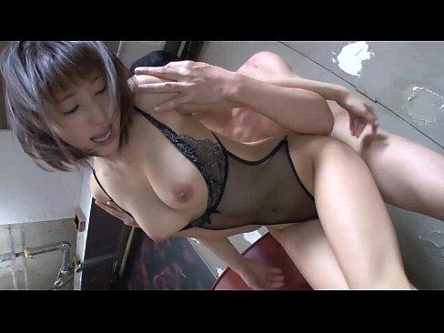 【あやみ旬果】エロ下着で大勢の男たちとハメマクル巨乳美女!