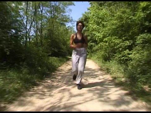 joggerin gefickt