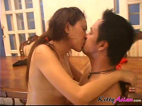 หนังโป๊ไทยจับเมียเจ้านายทำเมียลีลาแซ่บลีลาการเย็ดเสียวสุดยอด