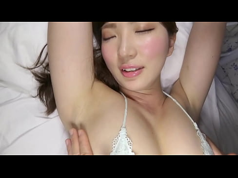巨乳の美女のエロマッサージ無料obasan動画。長身巨乳の神ボディ美女...