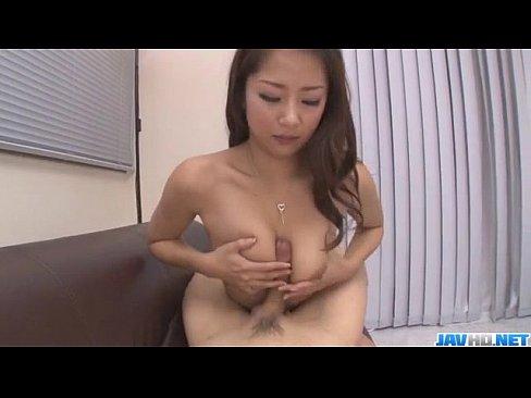 <無修正>鈴木さとみ 巨乳美人妻のパイズリ・フェラ抜きが凄い!