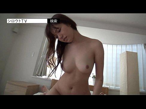 【巨乳セックス動画】童顔のスタイルの良い可愛い女性は見事な巨乳を持っています。