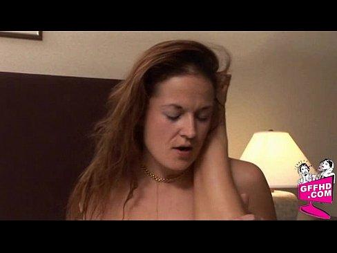 девушка потекла от мастурбации анала