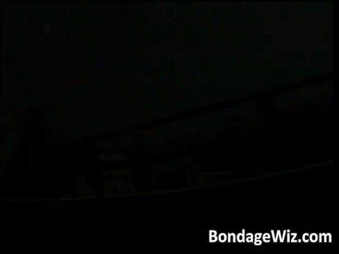 【激ヤバ個人撮影】アジアンロリ素人娘を拘束して中出しレイプ