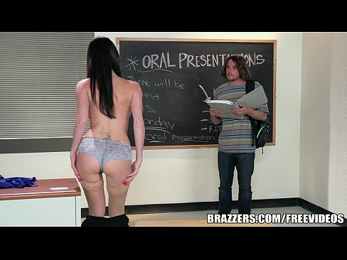 7 min Brazzers Sexy teacher Dava Foxx fucks student hot girl