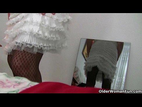 Coroa Amadora Faz Varios Videos Que Vazaram Na Internet
