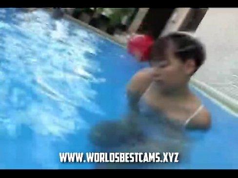 【可憐】Hmovie取材によく使われる例のプールで可憐な小娘が自慰
