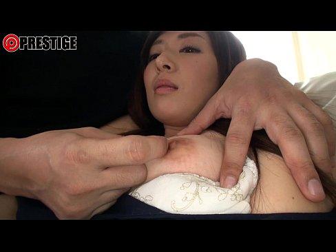 大人しそうな美人妻がカメラの前で乱れ始める!セックス動画