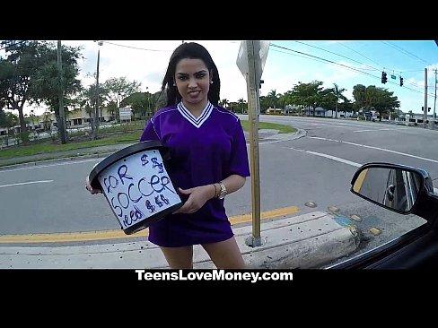http://img-l3.xvideos.com/videos/thumbslll/a4/5d/36/a45d36e46974ac374a046b7ec9b7ae2e/a45d36e46974ac374a046b7ec9b7ae2e.5.jpg