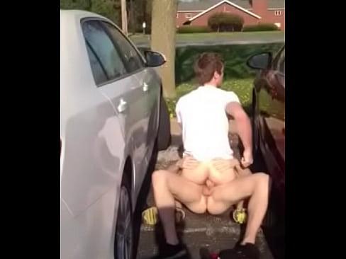 Trepando no estacionamento