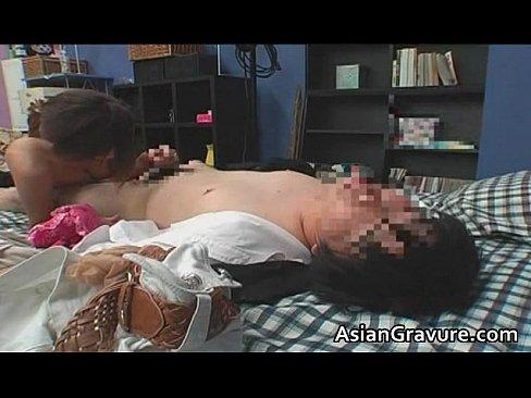 【素人】逆レイプ振りマッサージ特別ギャルをデリバリベッドに寝ておくだけで体内せめて受け取る盗撮風の初心者企画