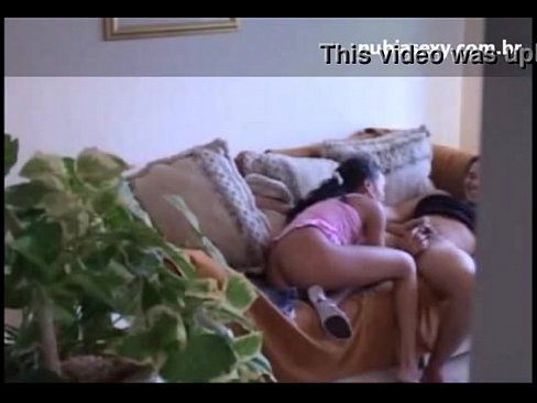 Fez a prima novinha ficar bêbada pra poder comer e filmar ela na casa da tia