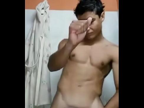 Novinho dançando de pau duro (teen dancing hard dick)