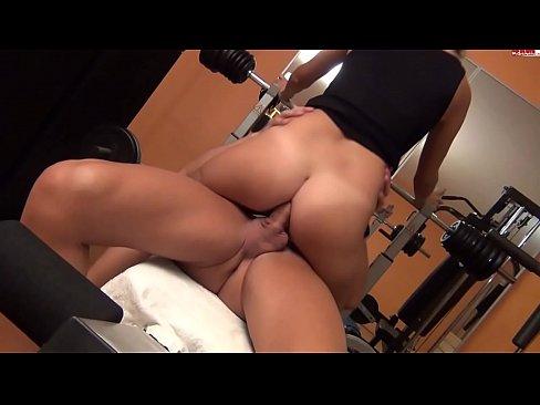 http://img-l3.xvideos.com/videos/thumbslll/a8/67/5d/a8675d4c3d84d60615bb4bde1011b173/a8675d4c3d84d60615bb4bde1011b173.5.jpg