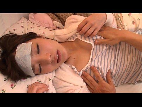 【寝込み動画】風邪で寝込んでいるショートカットの超可愛い姉(鈴村あいり)を襲ってセックス´ー`