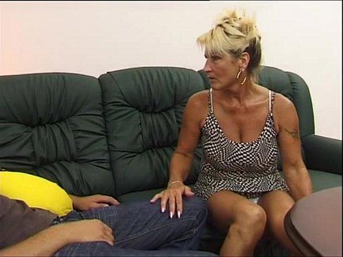 Скачать инцест видео сисястой тети и племянника