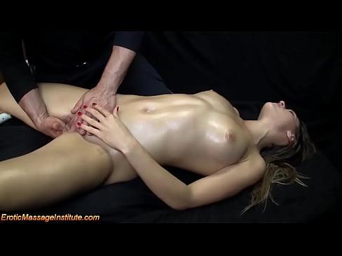 tantra massage kvinder topløse piger