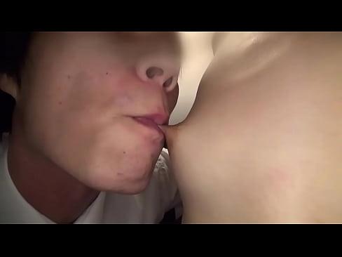 全身性感帯の奥様は糸引くお汁が止まらない!セックス動画