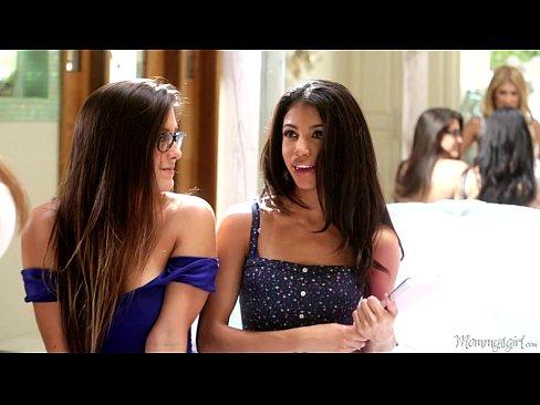 Natalie Monroe, Veronica Rodriguez em um sexo lésbicos