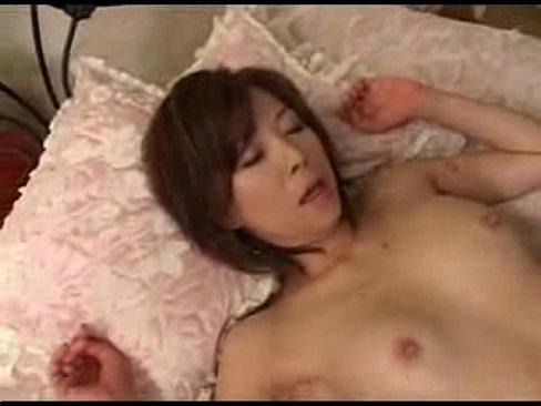 スレンダー熟女の本気すぎる濃厚フェラチオ【xvideos】