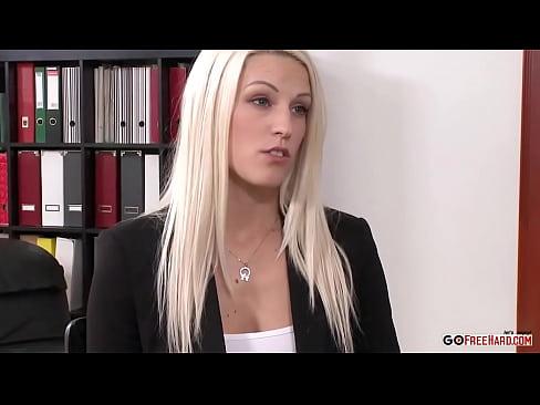 порно мать застукала дочь за дрочкой