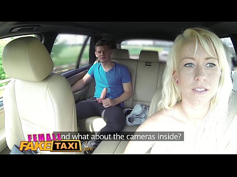 Taxista Loira Adora A Piroca De Um Novinha – Taxista Metendo Com Passageiro