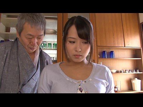 พ่อสามีหื่นจับขืนใจปล้ำลูกสะใภ้คนสวยทำเมียตอนลูกชายเผลอ