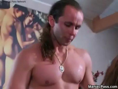 мастурбация блондинки крупным планом