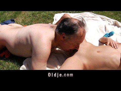http://img-l3.xvideos.com/videos/thumbslll/b2/70/32/b27032fb061517c396c48cdbb2633848/b27032fb061517c396c48cdbb2633848.10.jpg