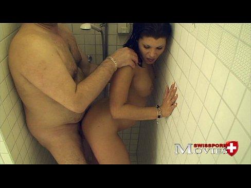 Traçando A Safada No Banheiro