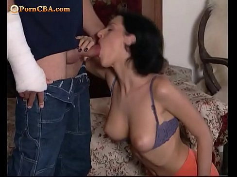 Порно она нагнулась а он ей всунул фото 690-14