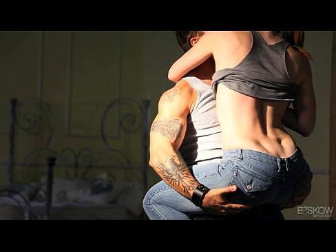 Cel Mai Pervers Film Porno Cu Futai Din Brate