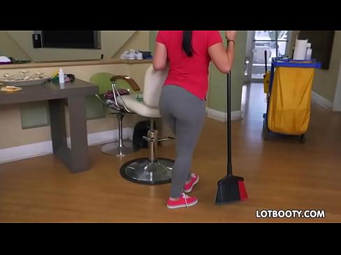 Fat ass and big natural tits latina maid Kimmy Kush