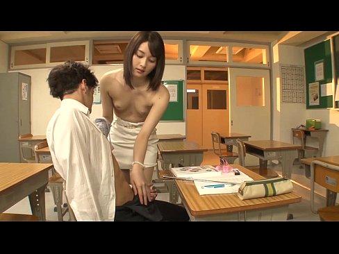 XVIDEO 上原瑞穂 コスプレ手コキフェラ抜き(上原瑞穂)