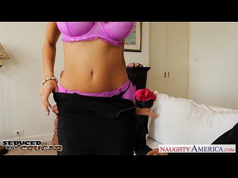 8 min Busty cougar Ava Addams jump a big dick brazers.com