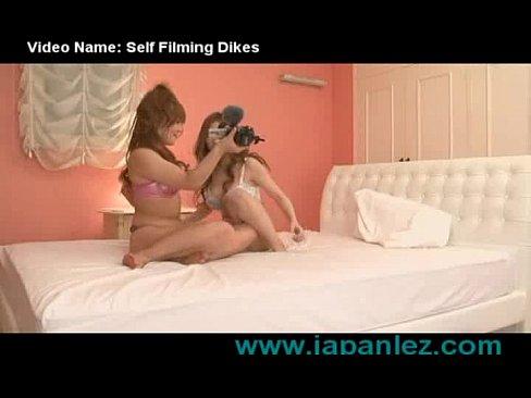 巨乳のレズの無料H動画。巨乳おっぱい美女のレズビアン!