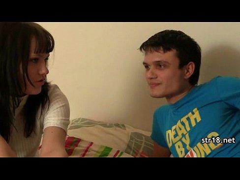 18-летний подросток бритая киска