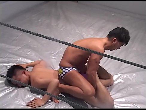 【薄モザイク】ガチムチ兄貴達がレスリングで互いのペニスを盛り合うゲイ動画!手コキやフェラでチンコを苛め抜き脇舐めまで飛び出す濃厚ファック!
