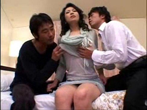 【酒井ちなみ】四十路高身長巨乳美熟女人妻が離婚の相談していた弁護士たち...