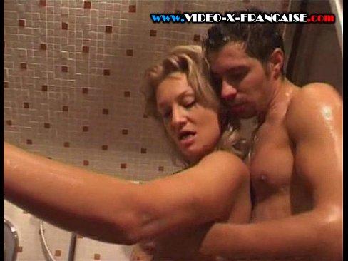 mamans dans la douche