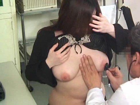 【熟女盗撮動画】産婦人科を訪れた三十路美人妻に襲い掛かる変態医師のエロ診察を隠し撮り!