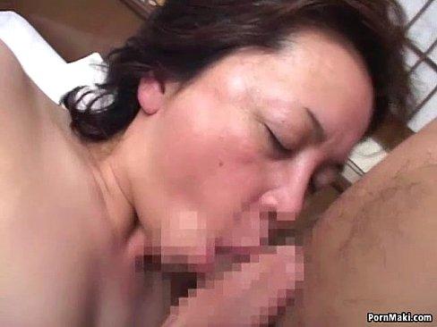 五十路の熟女の無料jyukujyo動画。まだまだ性欲旺盛な五十路熟女妻!