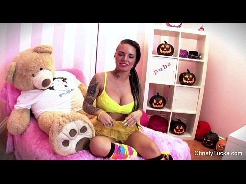 Videos de Sexo Caiu na net moreninha tatuada batendo siriric...