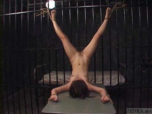 拷問されてしまう可愛い奴隷