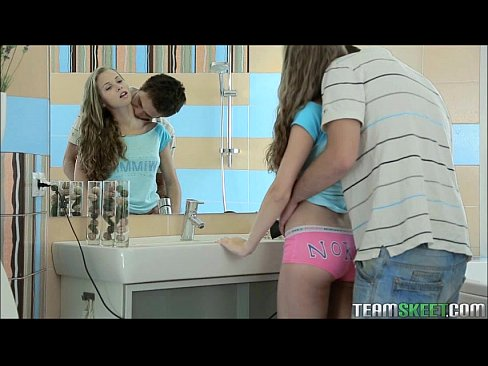 hot fucking with school girl in bathroom